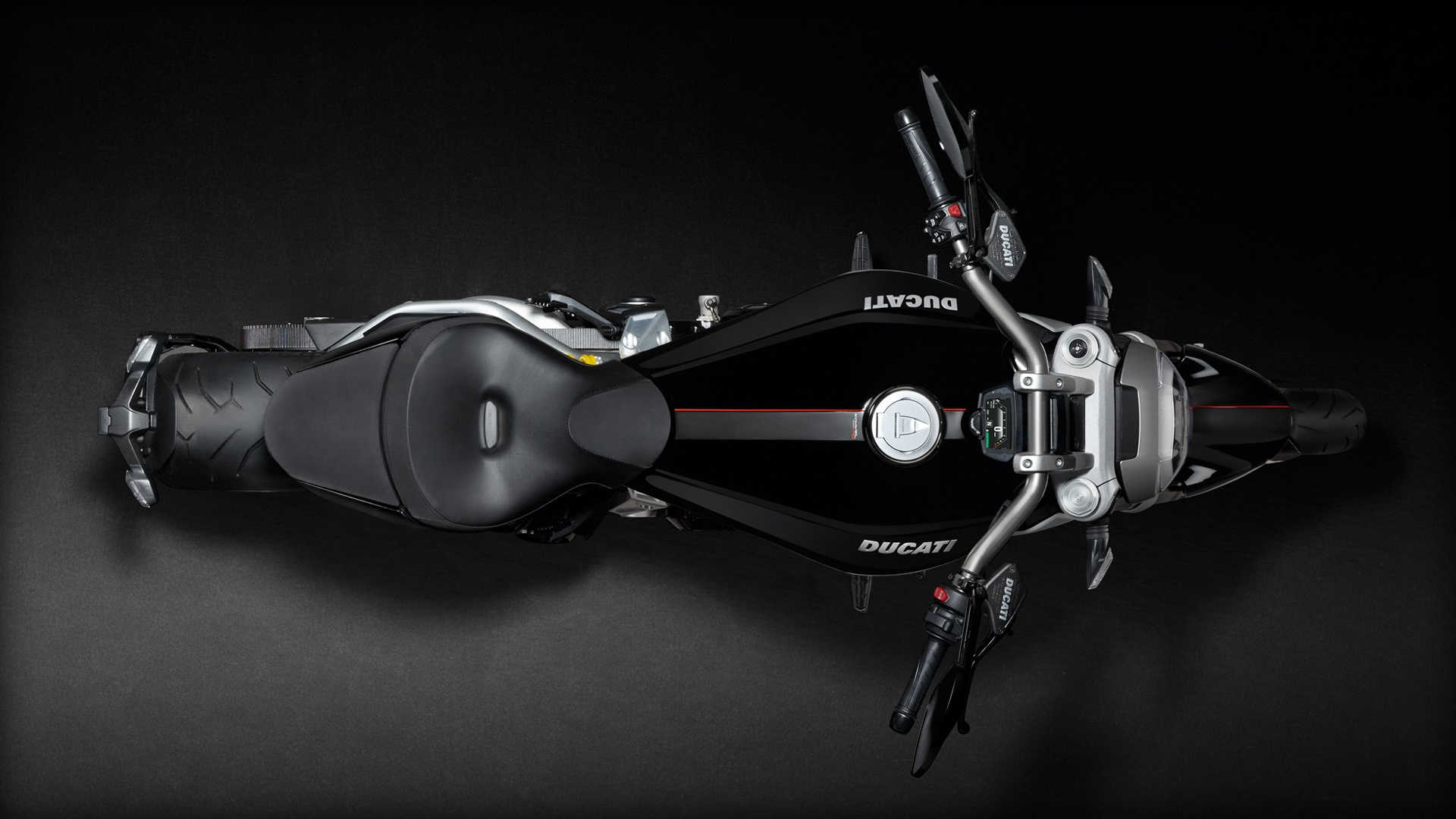 xdiavel-s_2016_studio_o01_1920x1080-mediagallery_output_image_1920x1080