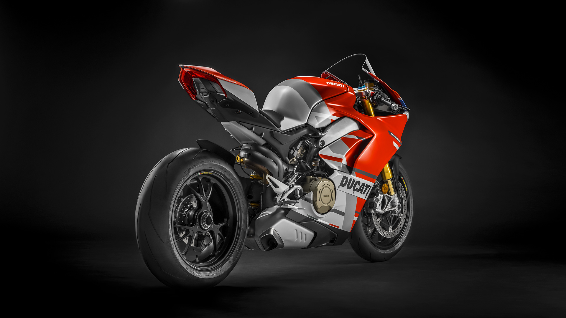 Panigale-V4S-Corse-MY19-04-Gallery-1920x1080