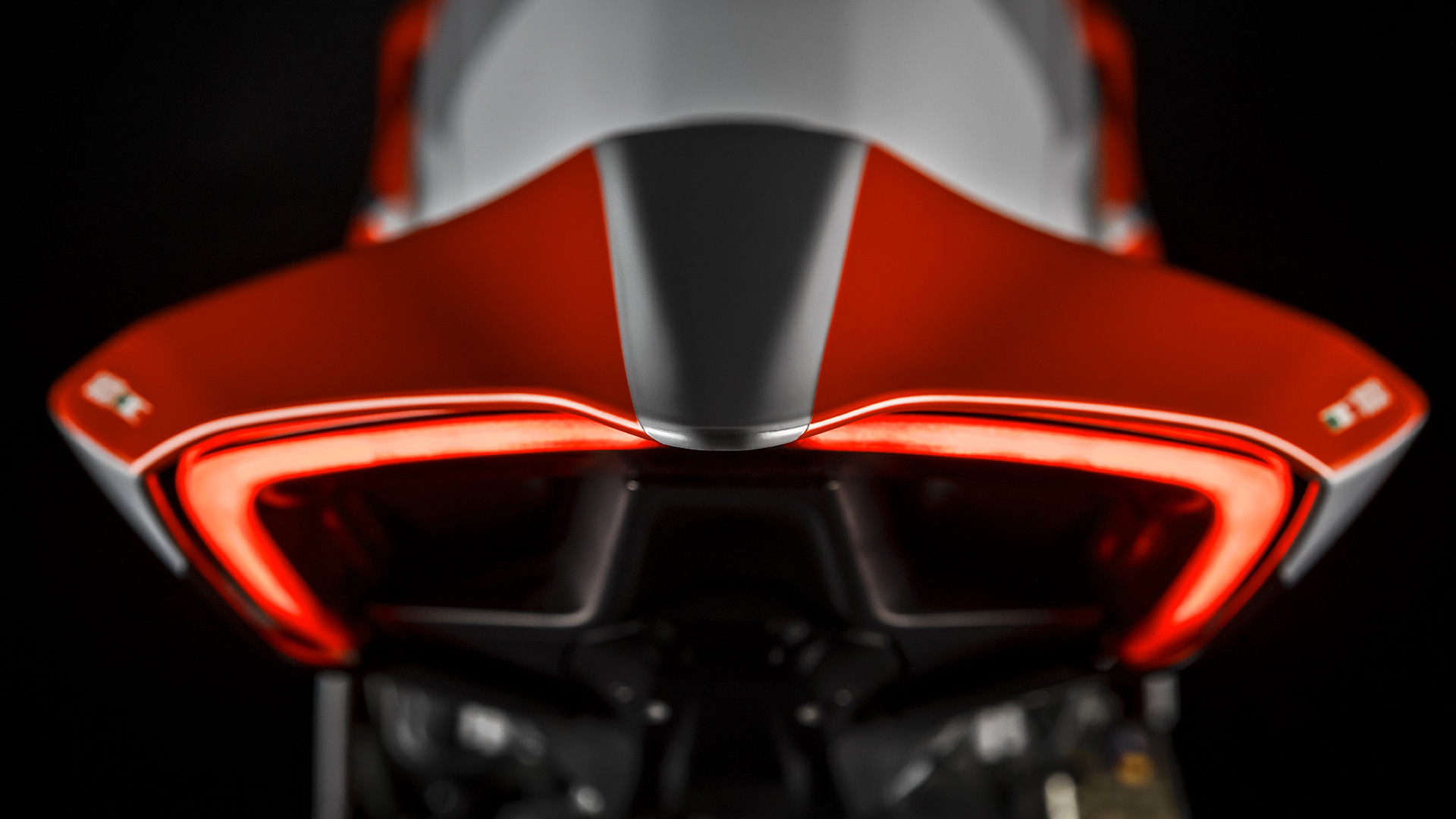 Panigale-V4S-Corse-MY19-15-Gallery-1920x1080